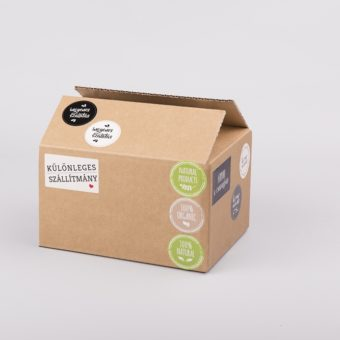 öntapadó matrica, csomagoló doboz, ingyenes szállítás matrica, natural matrica, organic matrica, különleges szállítmány matrica, színes öntapadó, kis méretű kartondoboz