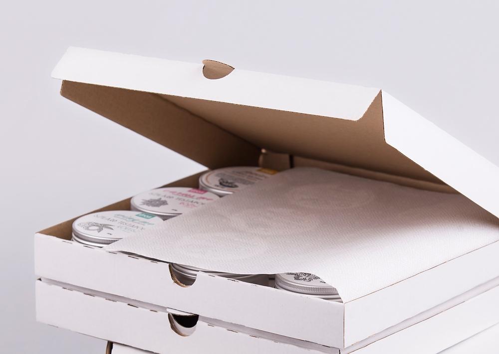 kartondoboz, nyomtatott csomagolópapír, csomagoló, csomagolás