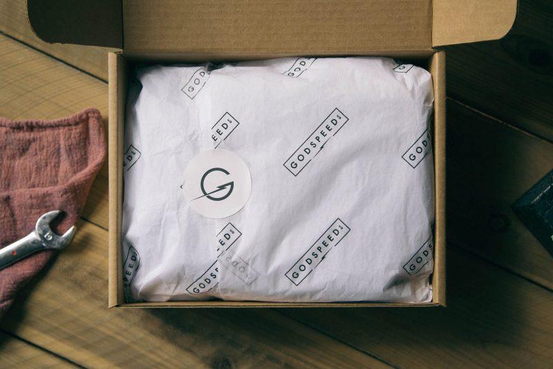 csomagolás, marketing, nyomtatott csomagolópapír, matrica, öntapadó